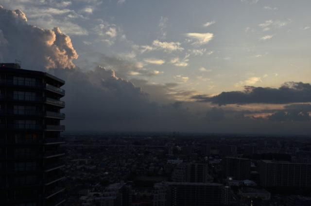 積乱雲が綺麗な夕焼け、AF-S Nikkor 24mm f/1.4G EDで撮影