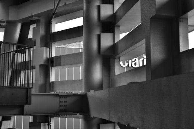 さいたまスーパーアリーナの外階段をAi AF Micro-Nikkor 60mm F2.8Dで撮影