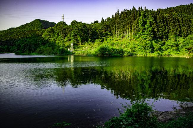 縁結びの滝、ダム湖