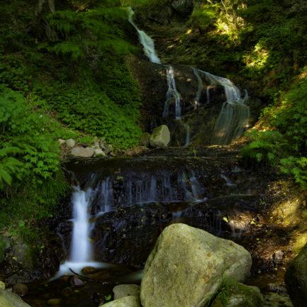 縁結びの滝、全貌