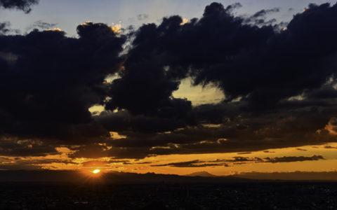 AF-S Nikkor 58mm f/1.4Gで撮影、夕暮れ、夕陽