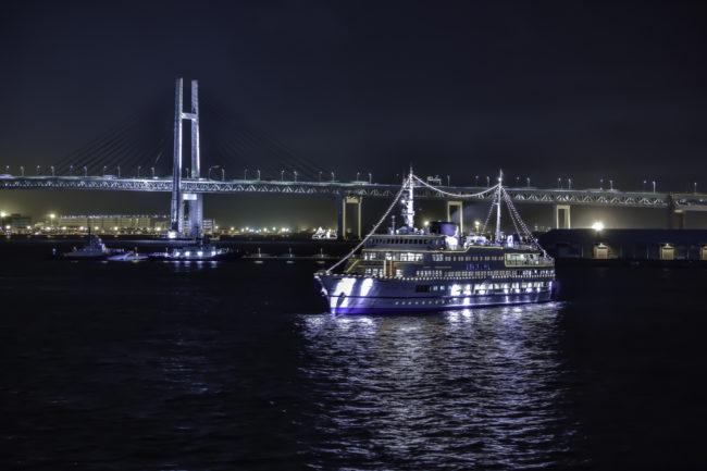 大桟橋から横浜ベイブリッジを撮影
