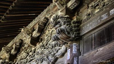 貴惣門、麒麟の彫刻