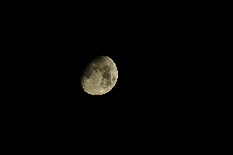 500mm望遠レンズで撮影したお月様